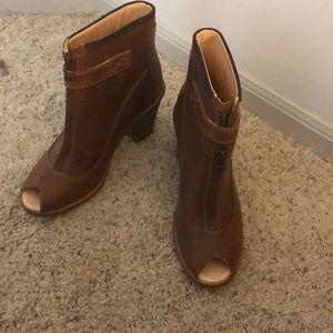 Timberland heels size 7 new with box